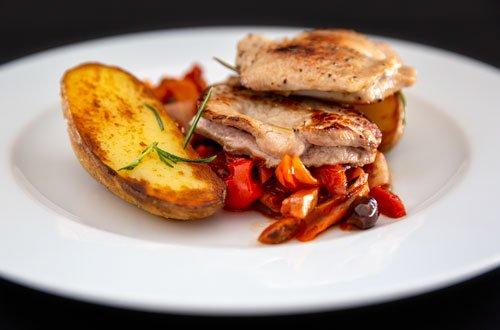 Egers Catering: Filet mit Rosmarinkartoffeln und Gemüse